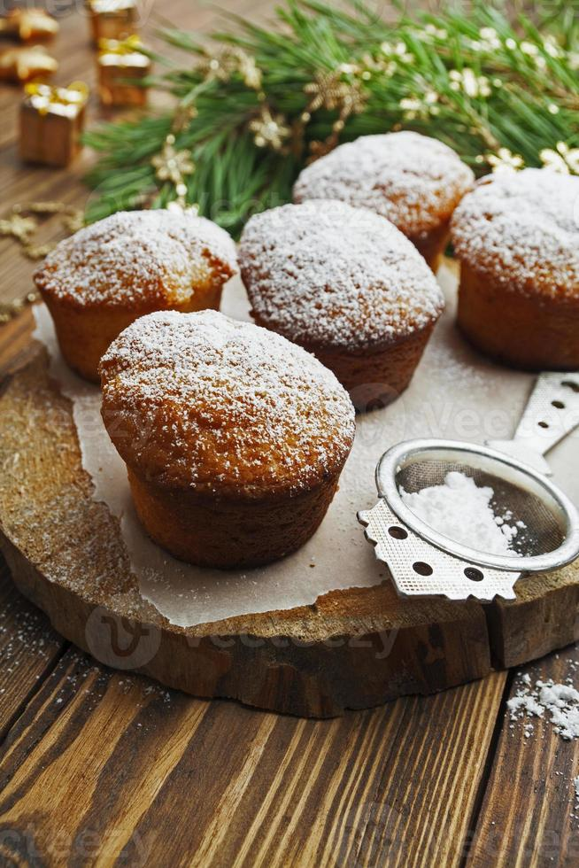 Cupcakes with powdered sugar photo