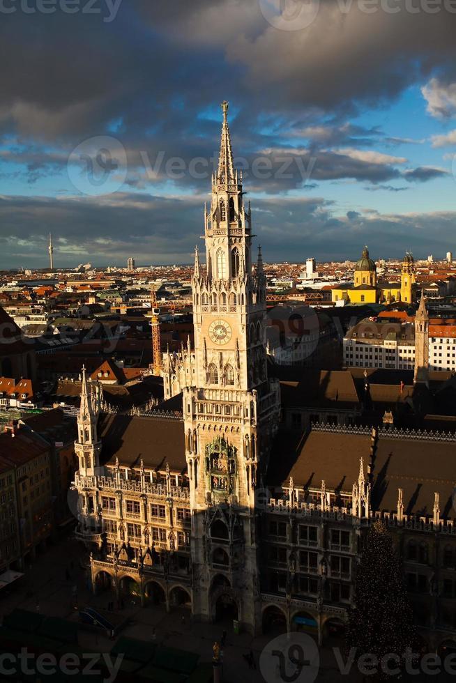 Ayuntamiento en la Marienplatz de Munich foto