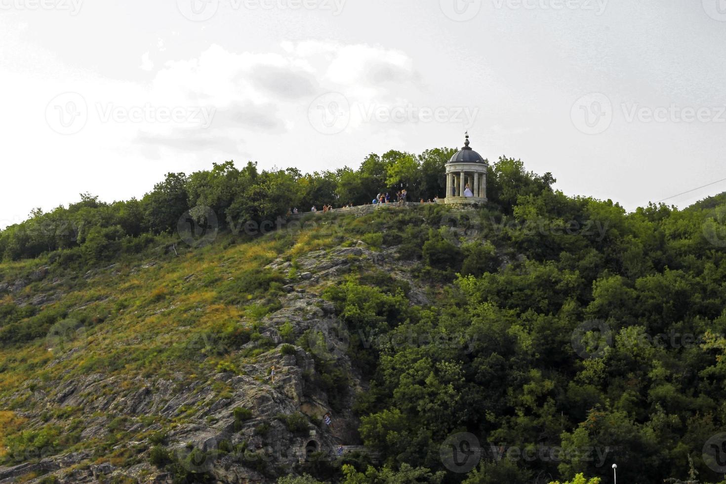 aeolus harp in de zomer. pyatigorsk oriëntatiepunten en monumenten foto