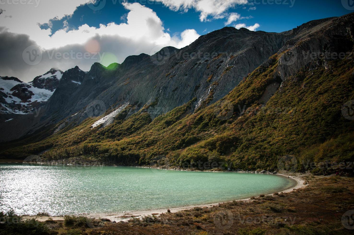 laguna esmeralda en ushuaia argentina foto