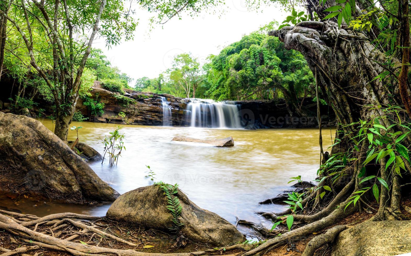 Wang Yai Waterfall photo