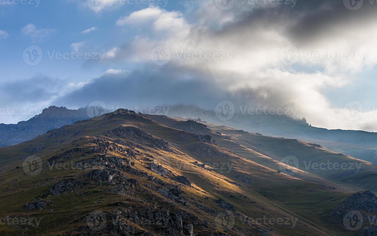 montaña verde en turquía foto