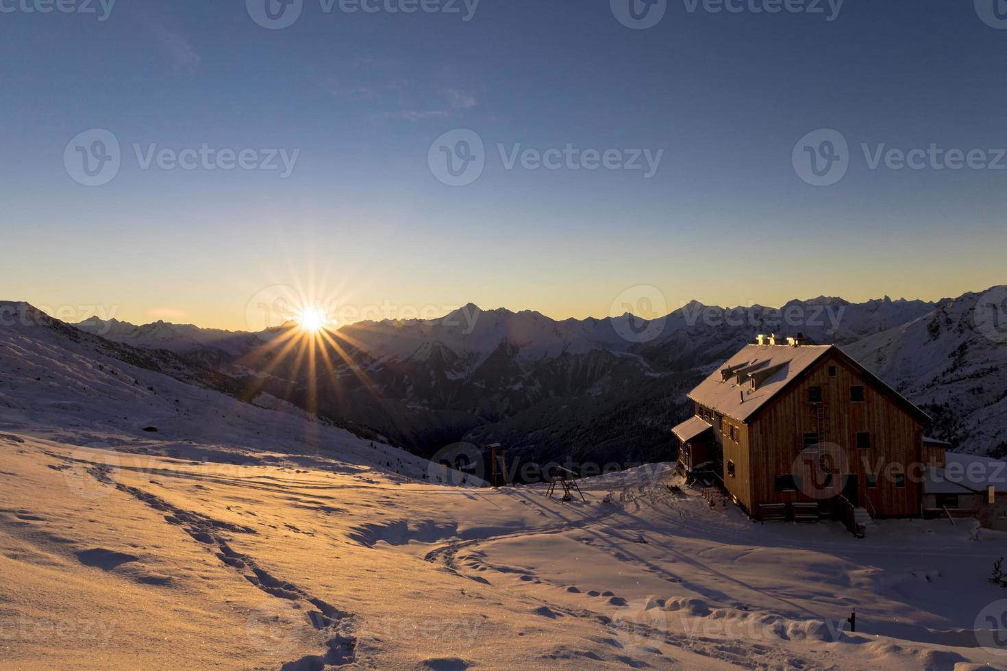 mountain sunrise photo