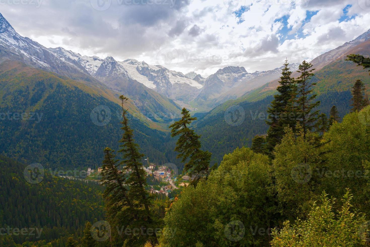 Mountain day autumn photo