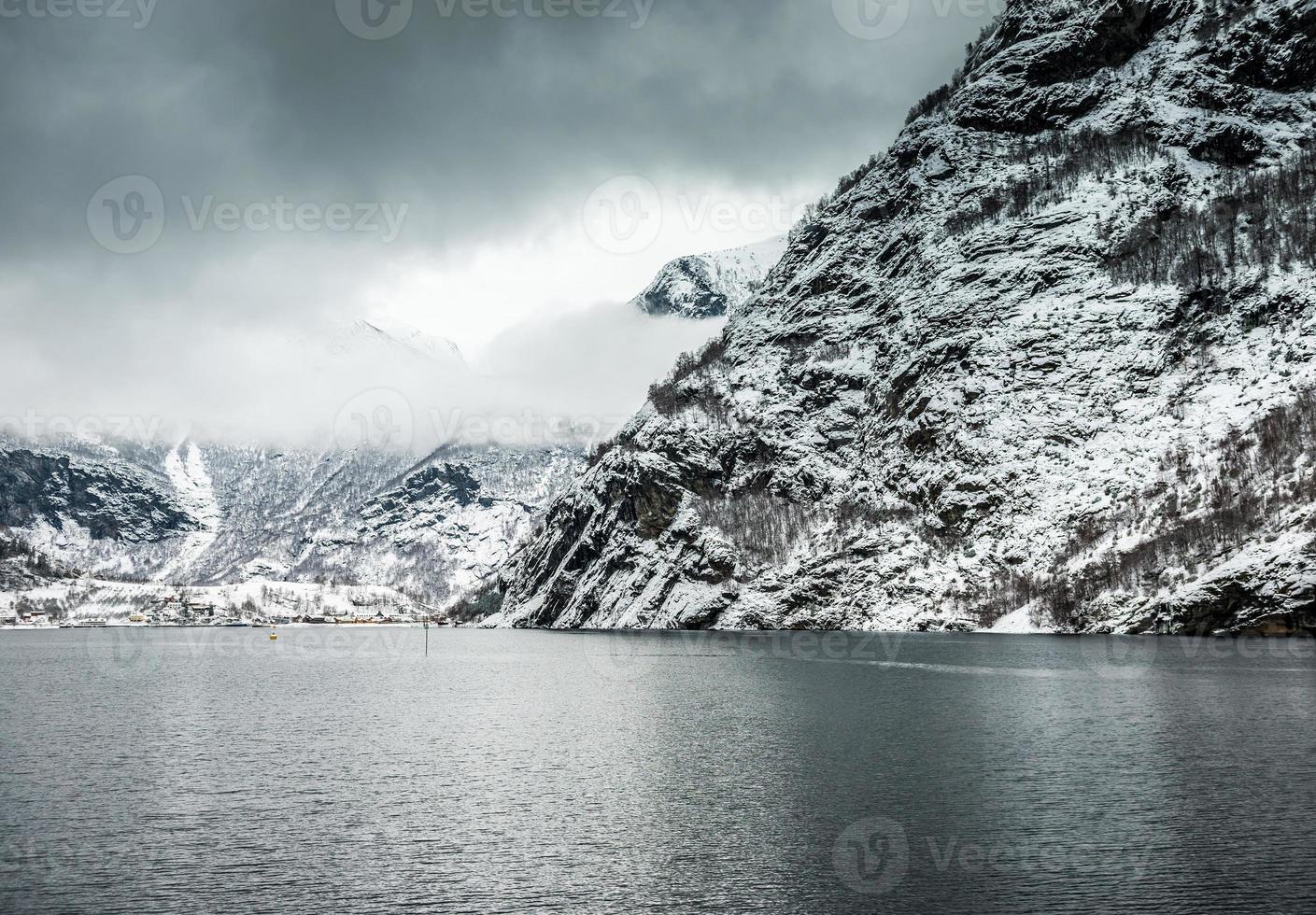 fiordos en noruega foto