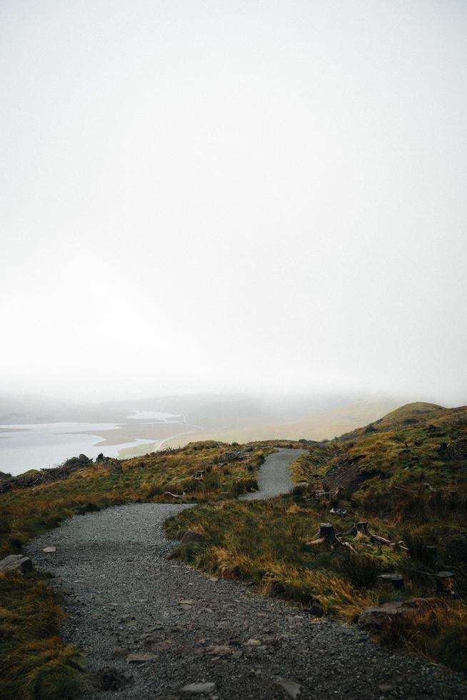camino que conduce al océano foto