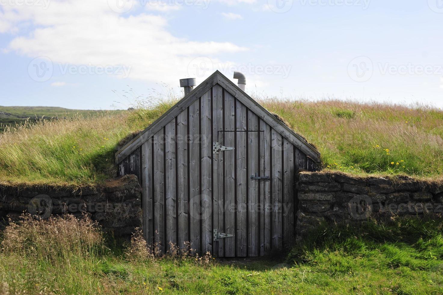 tappeto erboso islandese con tetto in erba foto