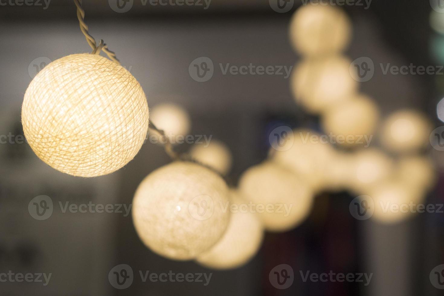 petites lampes à sphère pour la décoration de la maison photo