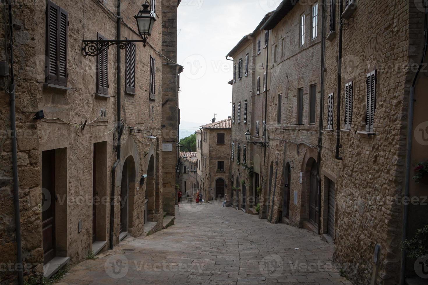 vista a la calle en la ciudad italiana foto