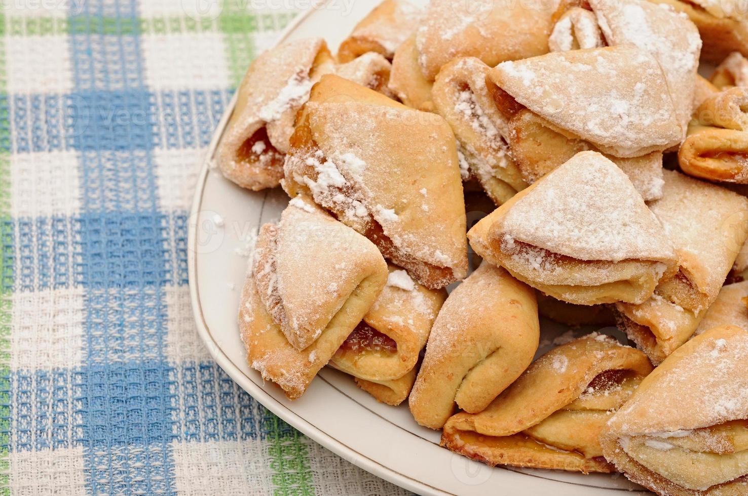 Galletas caseras de requesón con mermelada de manzana foto