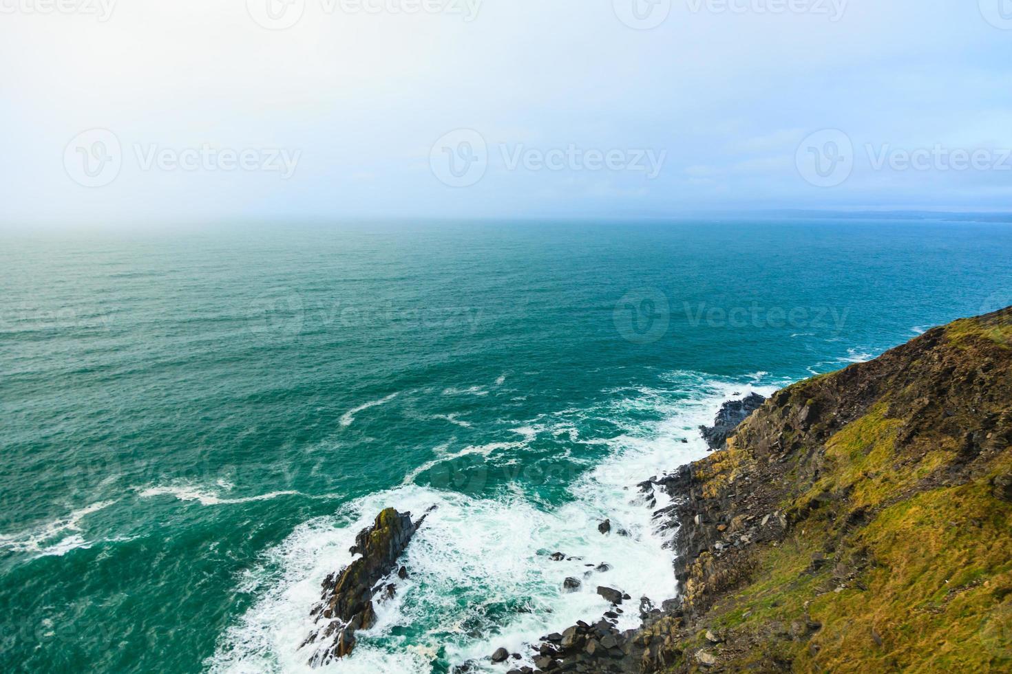 paisaje irlandés. Costa atlántica del condado de Cork, Irlanda foto