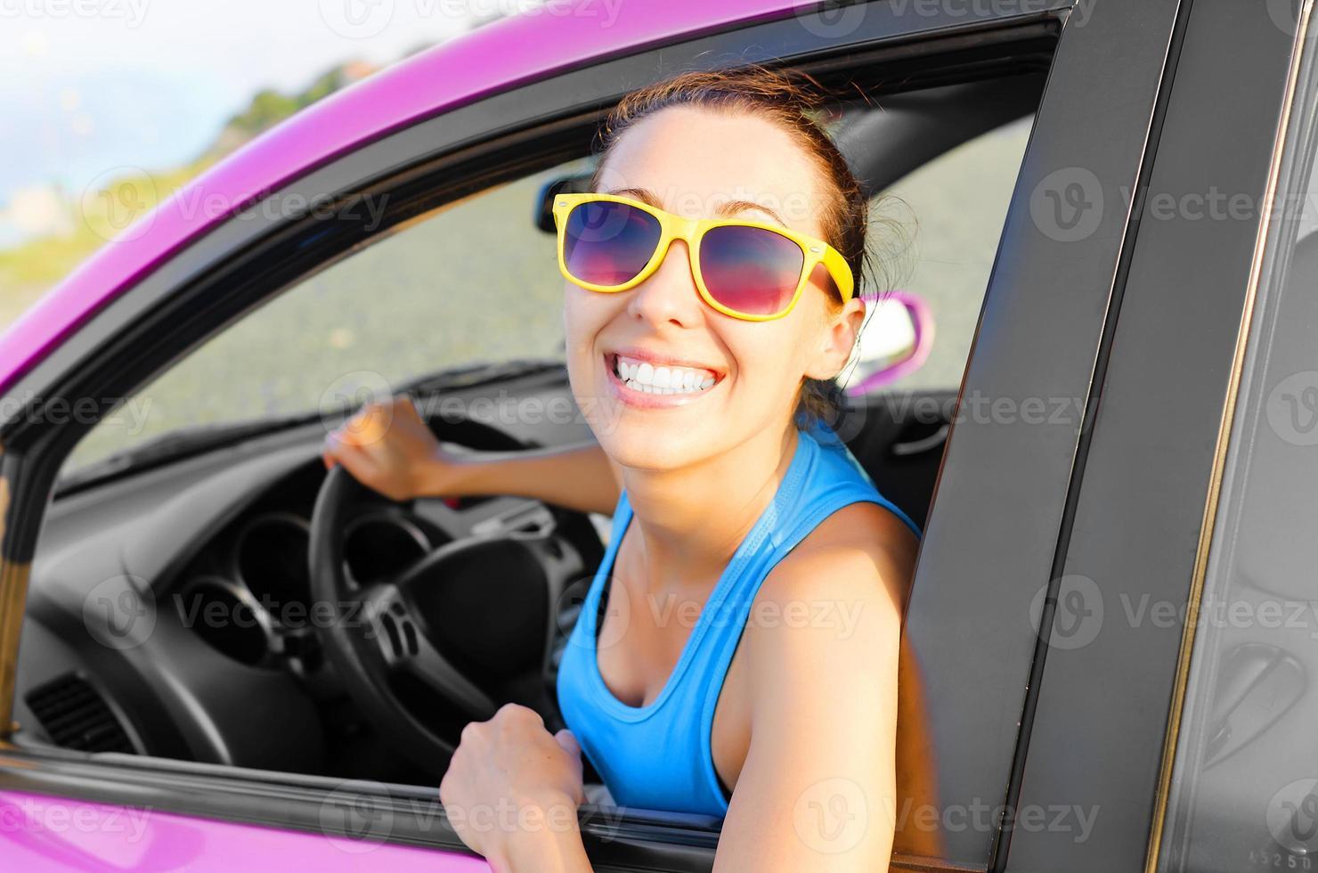 conductor de coche feliz foto