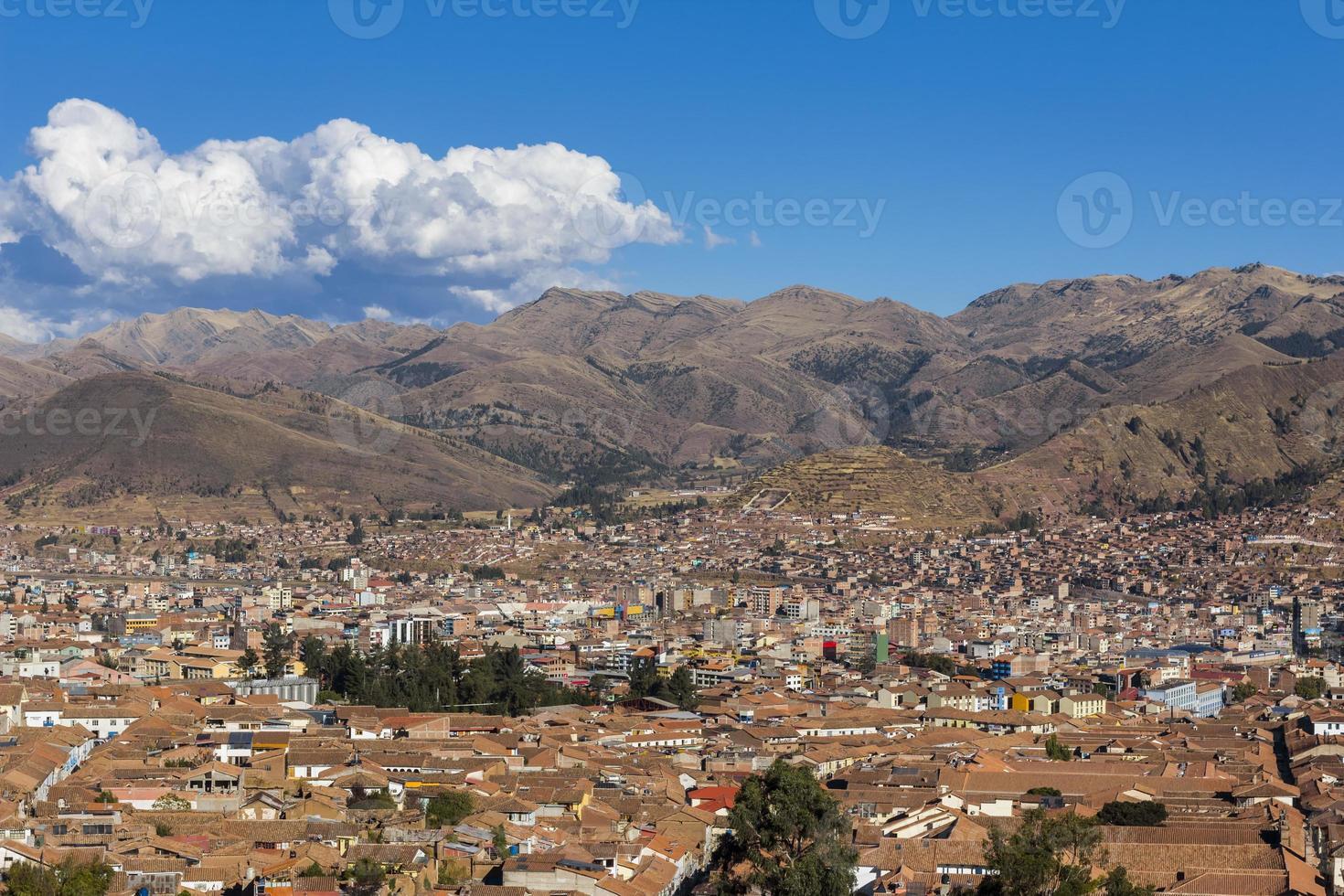 horizonte de la ciudad de cuzco perú foto