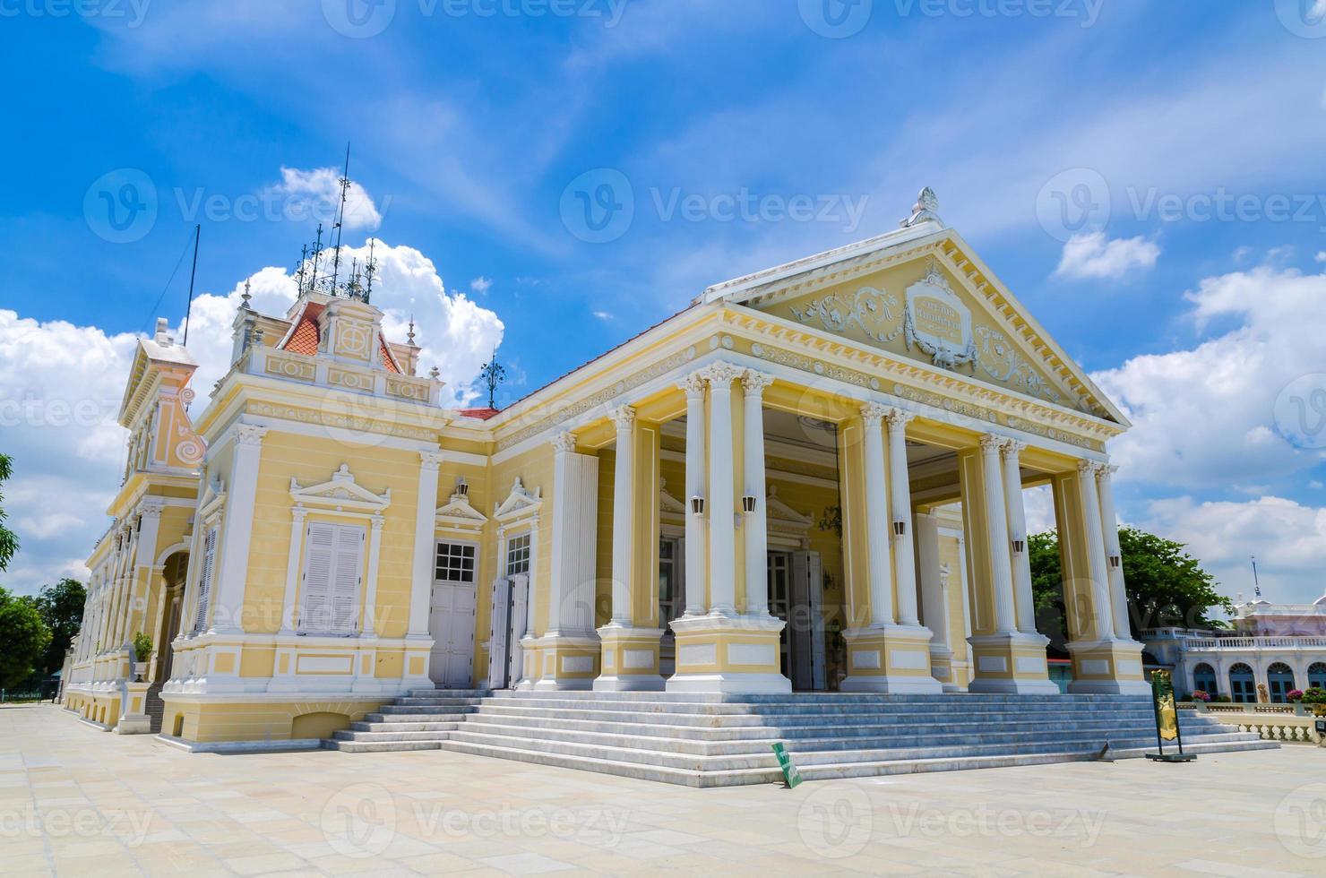 phra thinang varobhas biman, sala residencial, ayuthaya, thailan foto