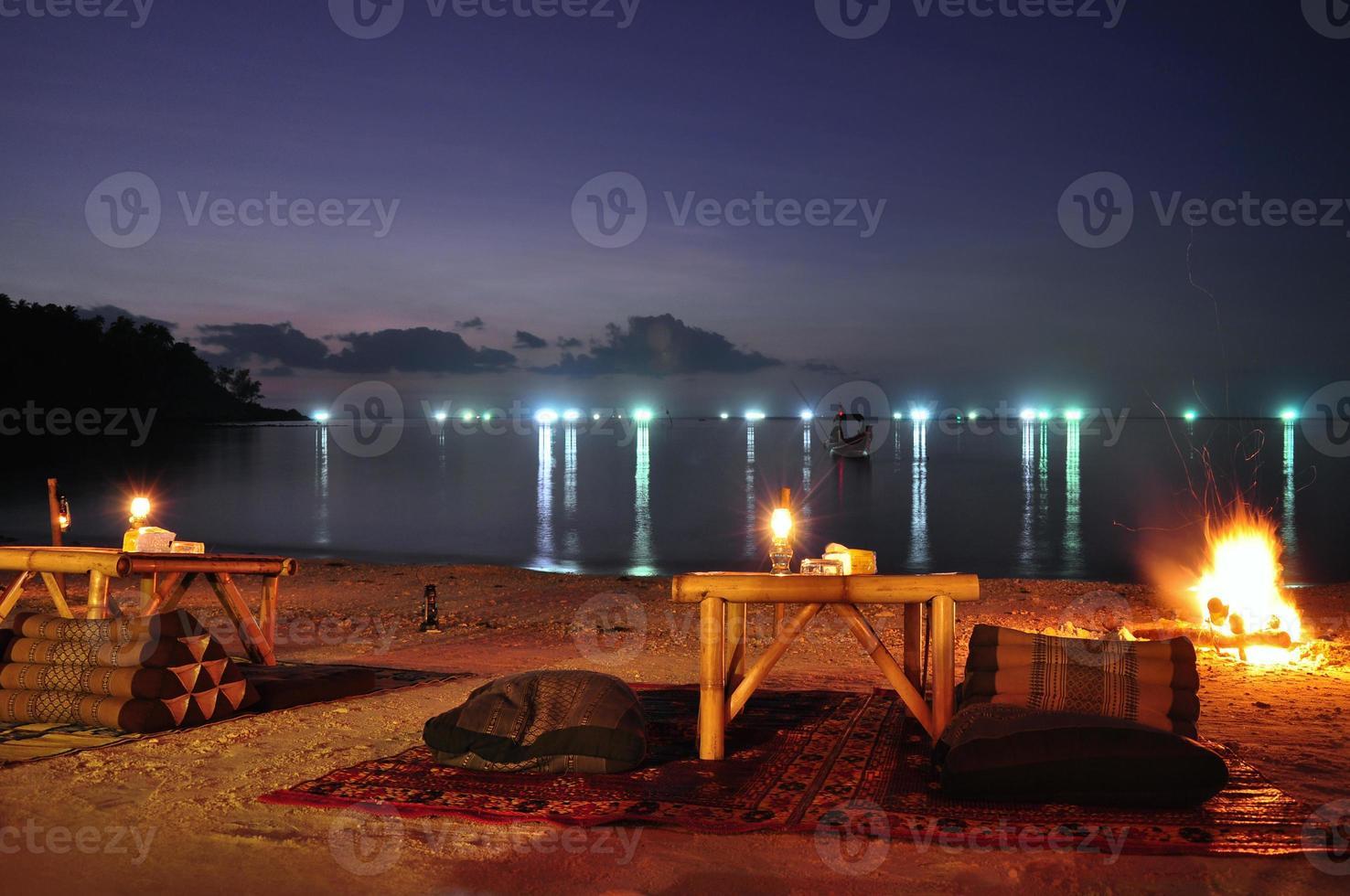 restaurante de playa tailandés foto