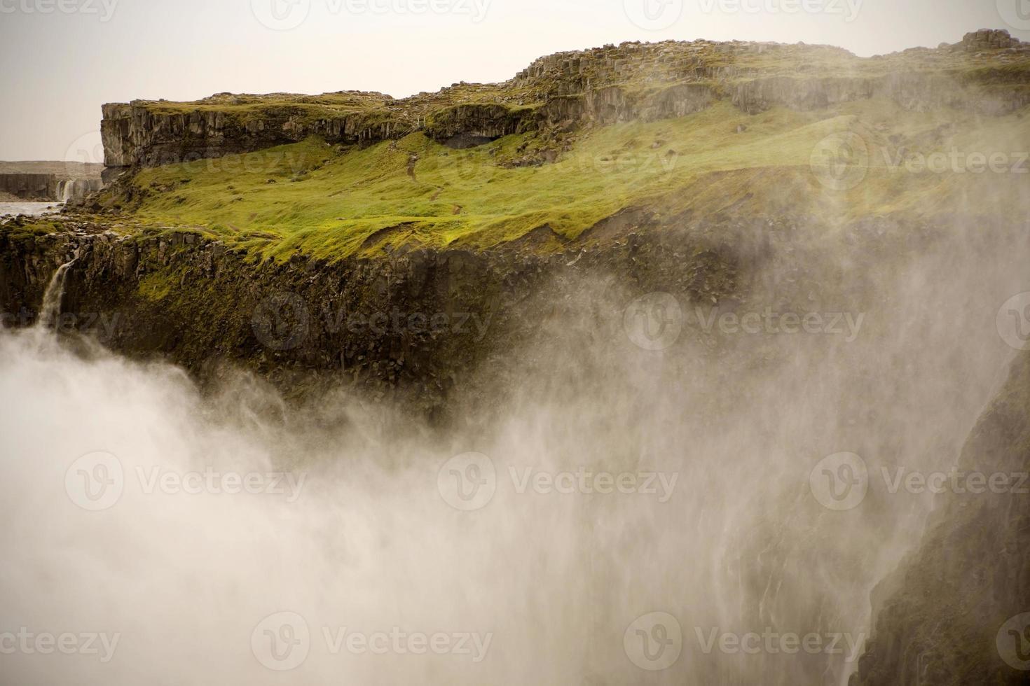 enorme cascada en islandia foto