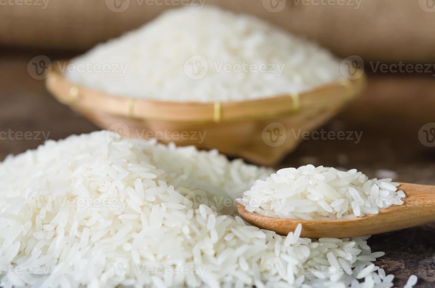 white rice  grains photo
