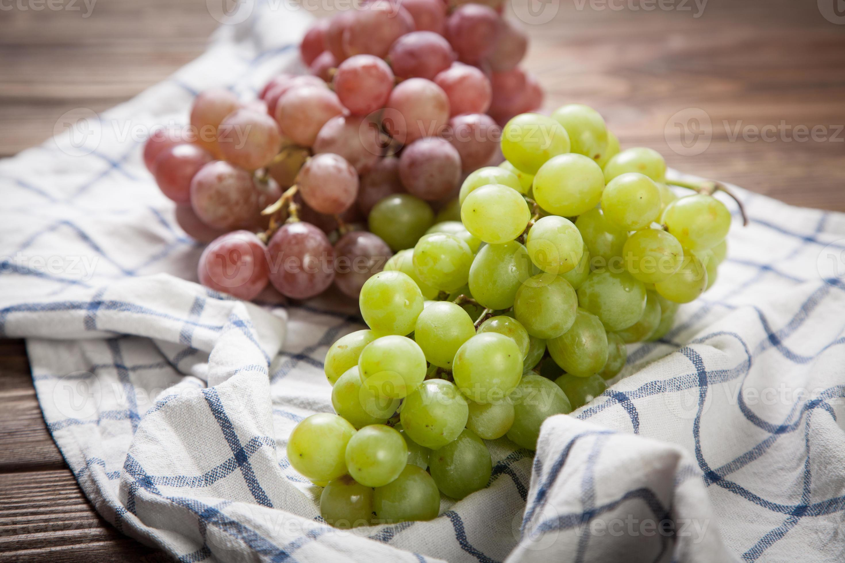 Delicious Grapes On A Kitchen Table 1344618 Stock Photo At Vecteezy