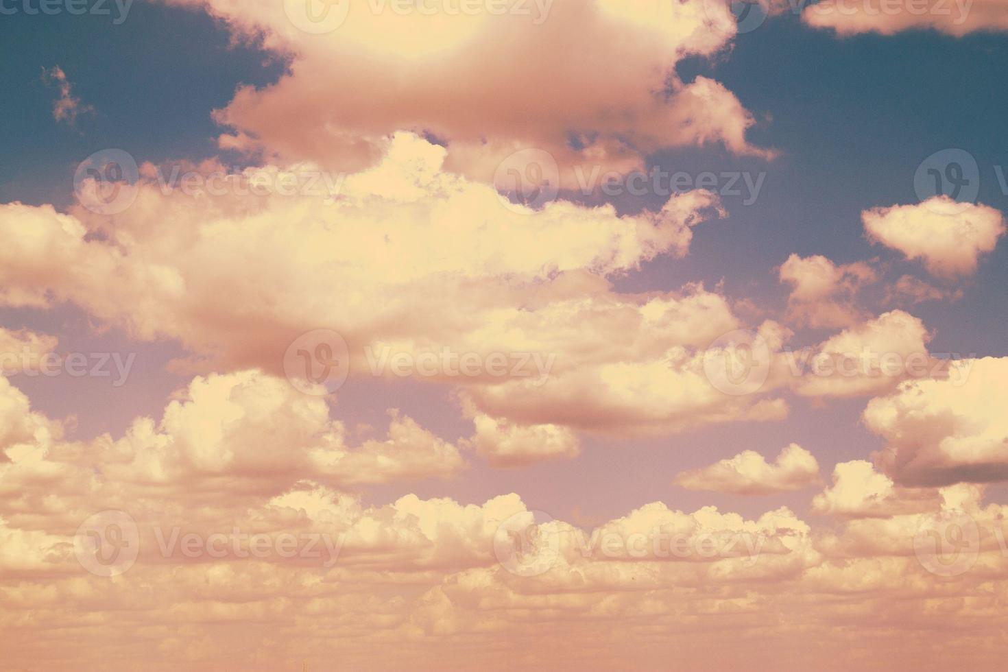 cielo azul. retro foto
