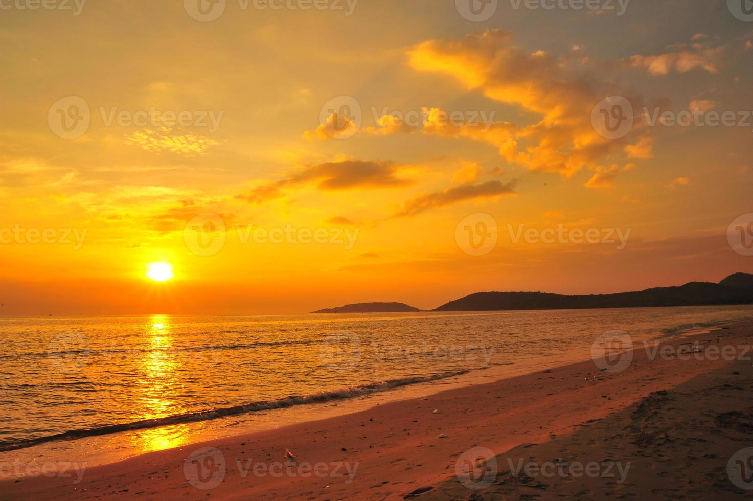 Beach at Sunset Backgrounds photo