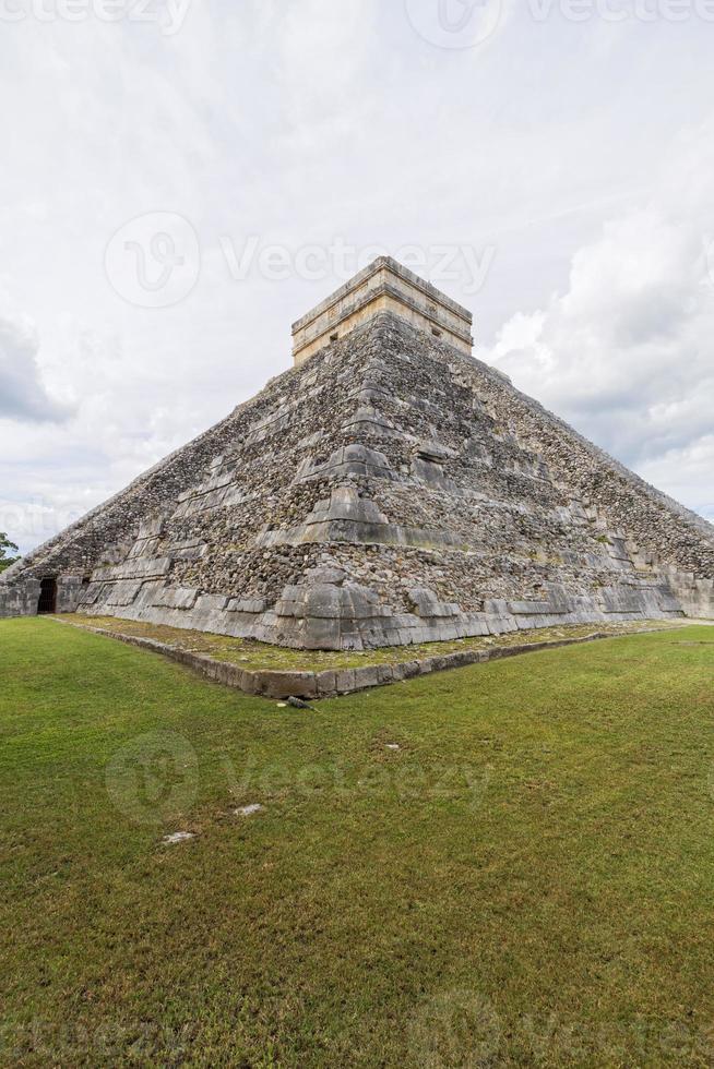 ruines mayas de chichen itza, mexique. photo