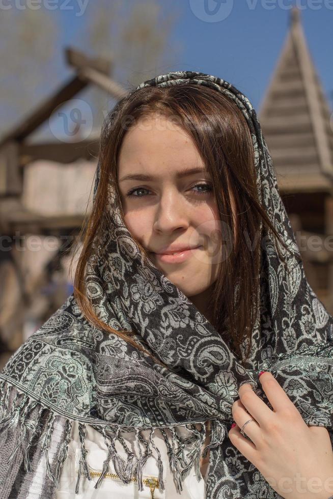 meisje in een sjaal foto