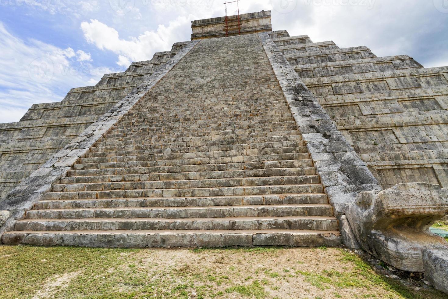 Chichen Itza Mayan ruins, Mexico. photo