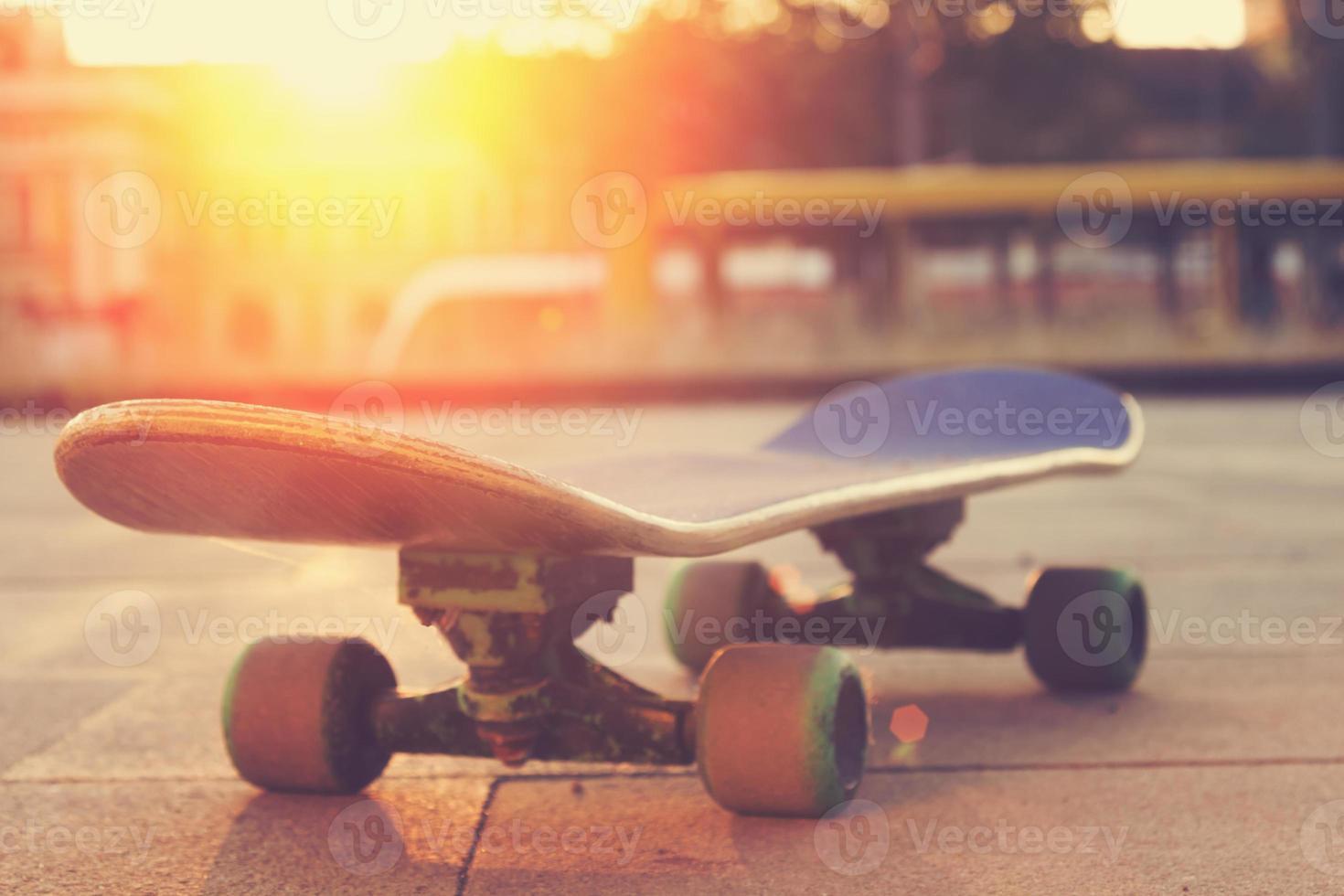 skateboard per strada. foto
