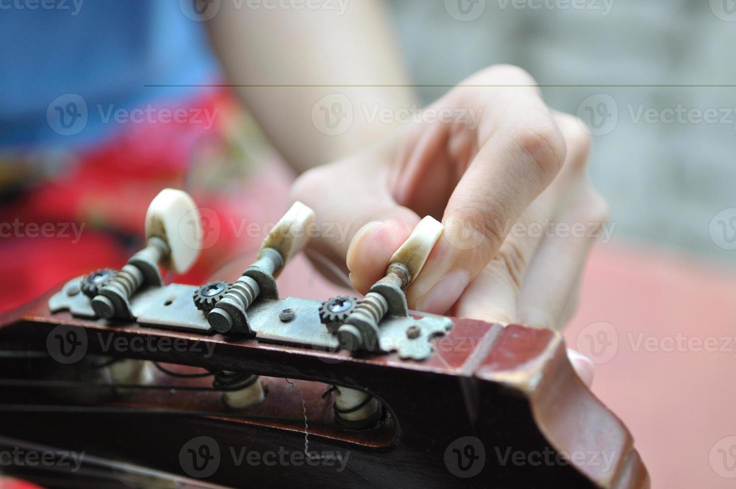 accordatura della chitarra foto