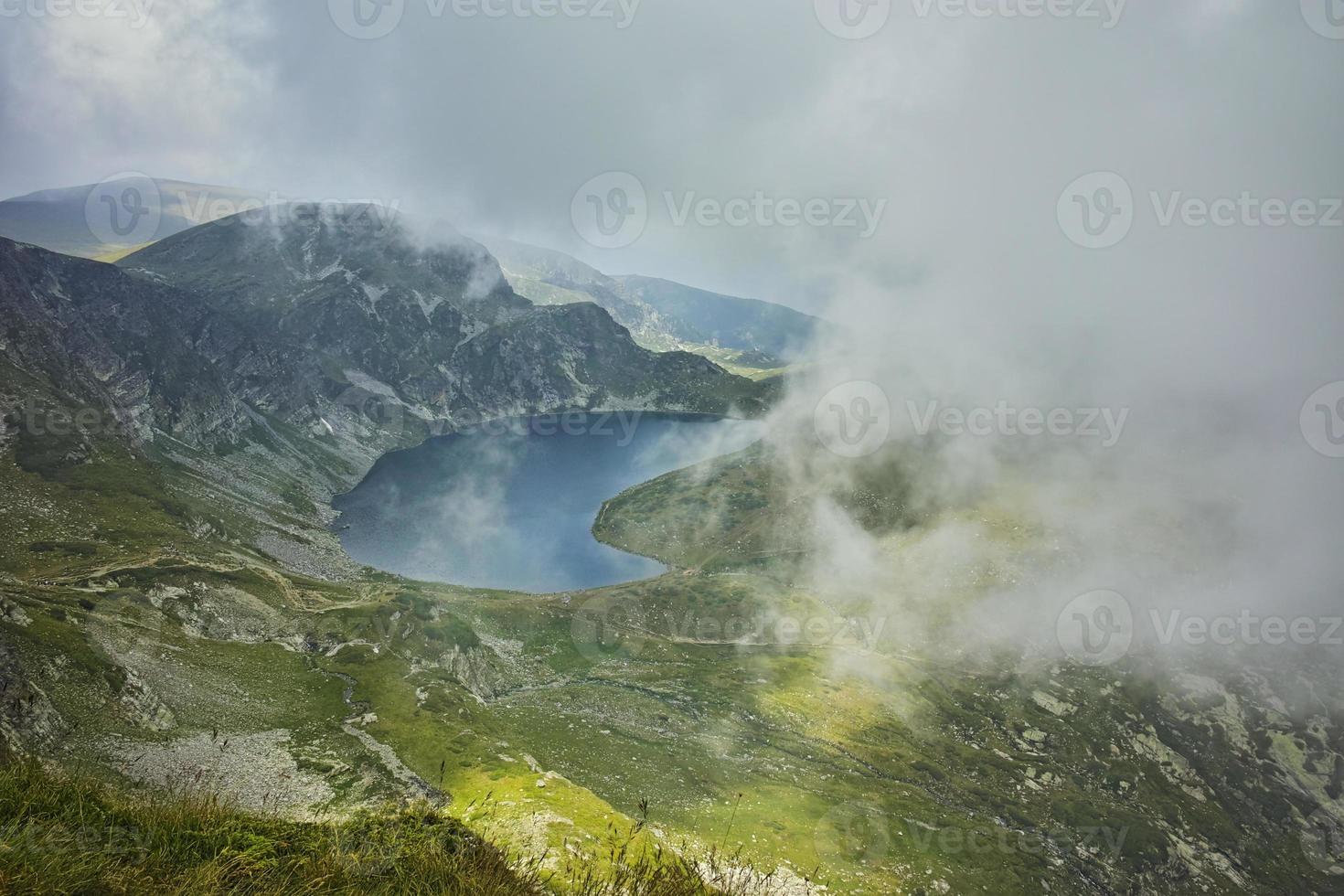 Amazing panorama to The Kidney lake photo