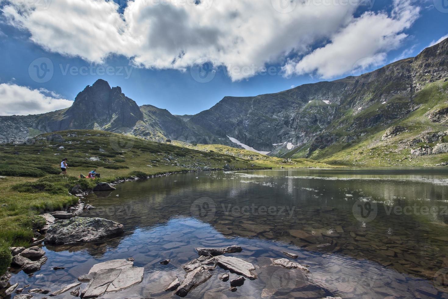 le lac trèfle, les sept lacs de rila, la montagne de rila photo