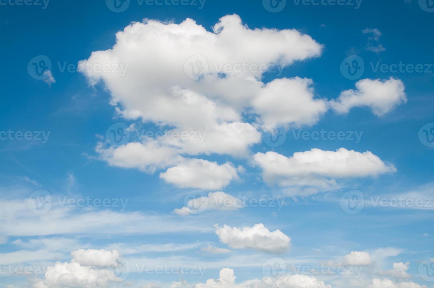 cielo azul y nube foto