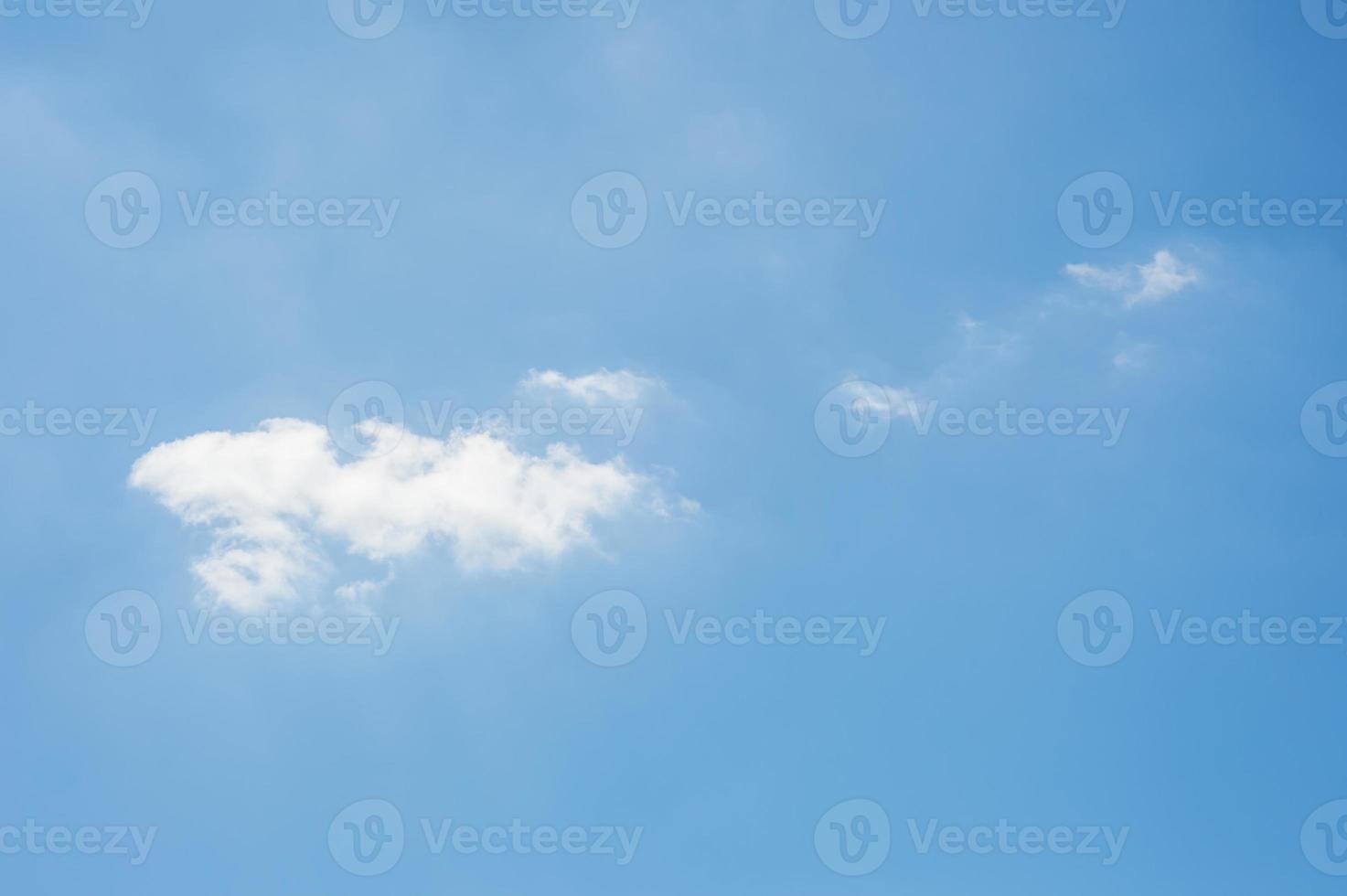 nuvens com céu azul foto