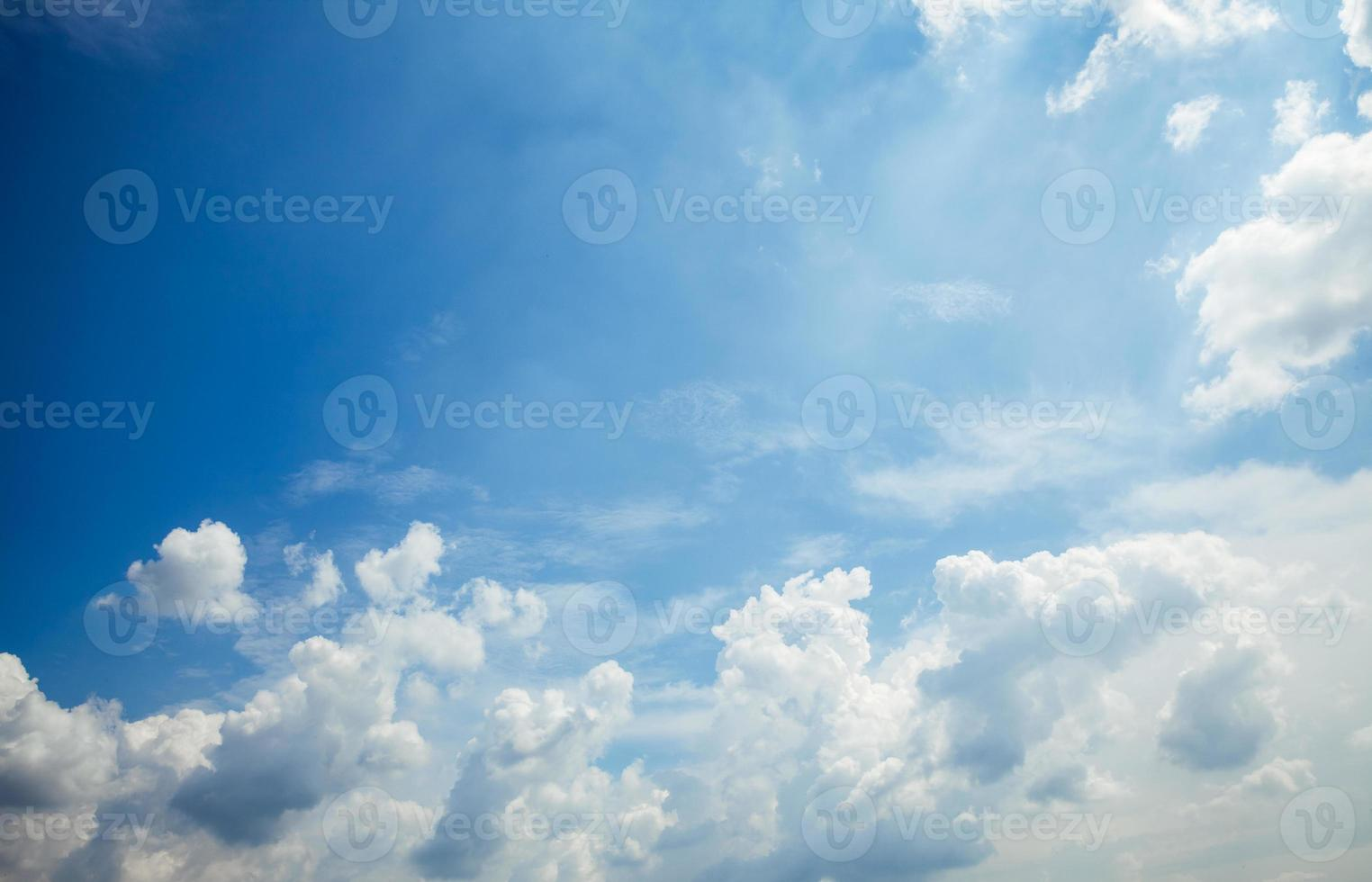 blue sky with cloud closeup photo