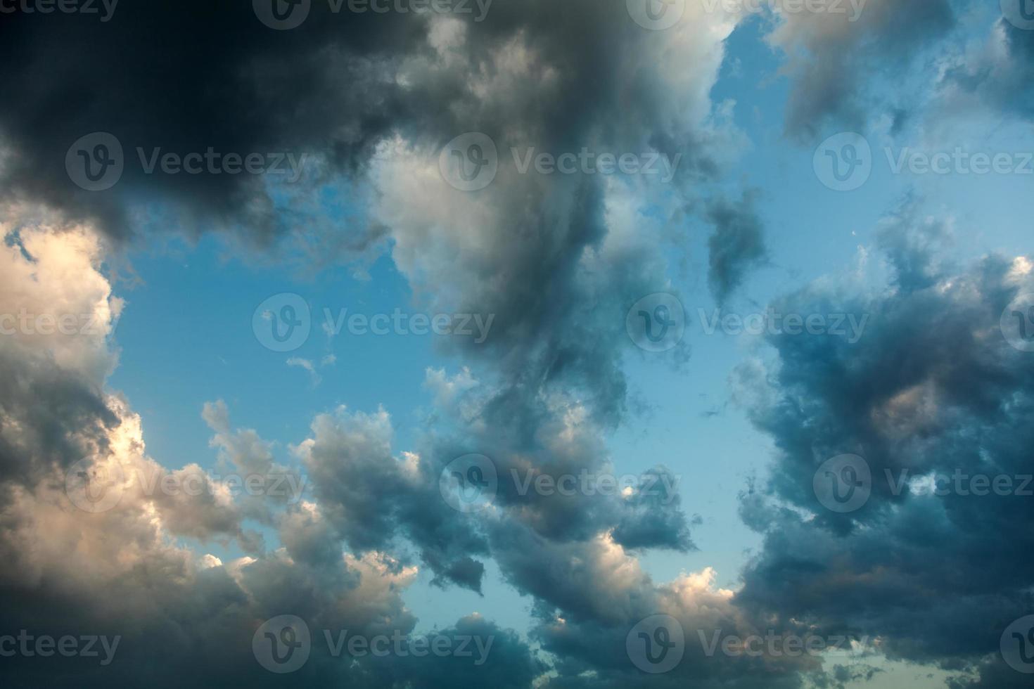fondo de cielo nublado foto
