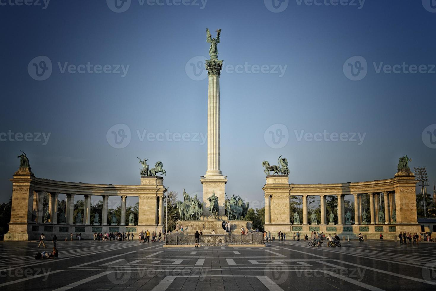 Heroes square in Budapest photo