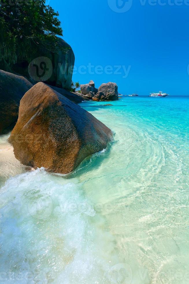 playa y agua turquesa foto