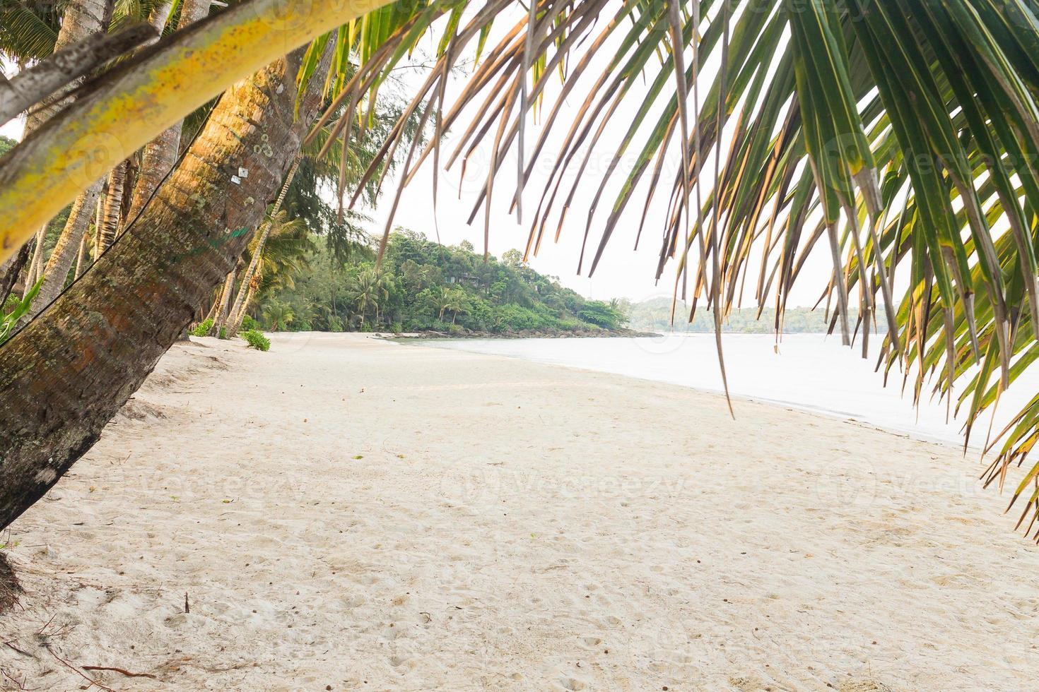 Playa de klong jao en koh kood (isla de kood), trat tailandia foto
