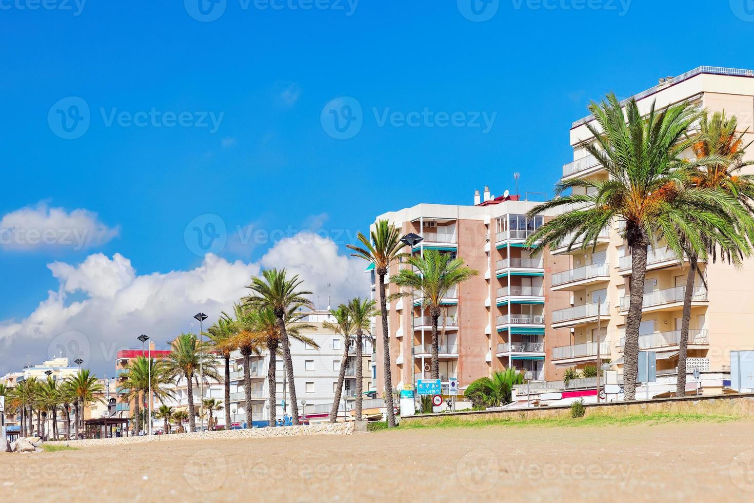 paseo marítimo, playa, costa en españa. foto