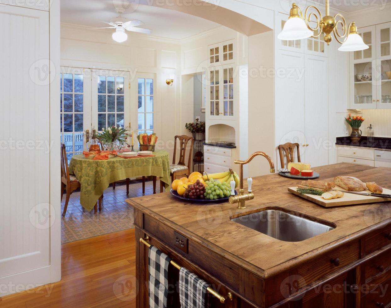 Large Kitchen in Home photo