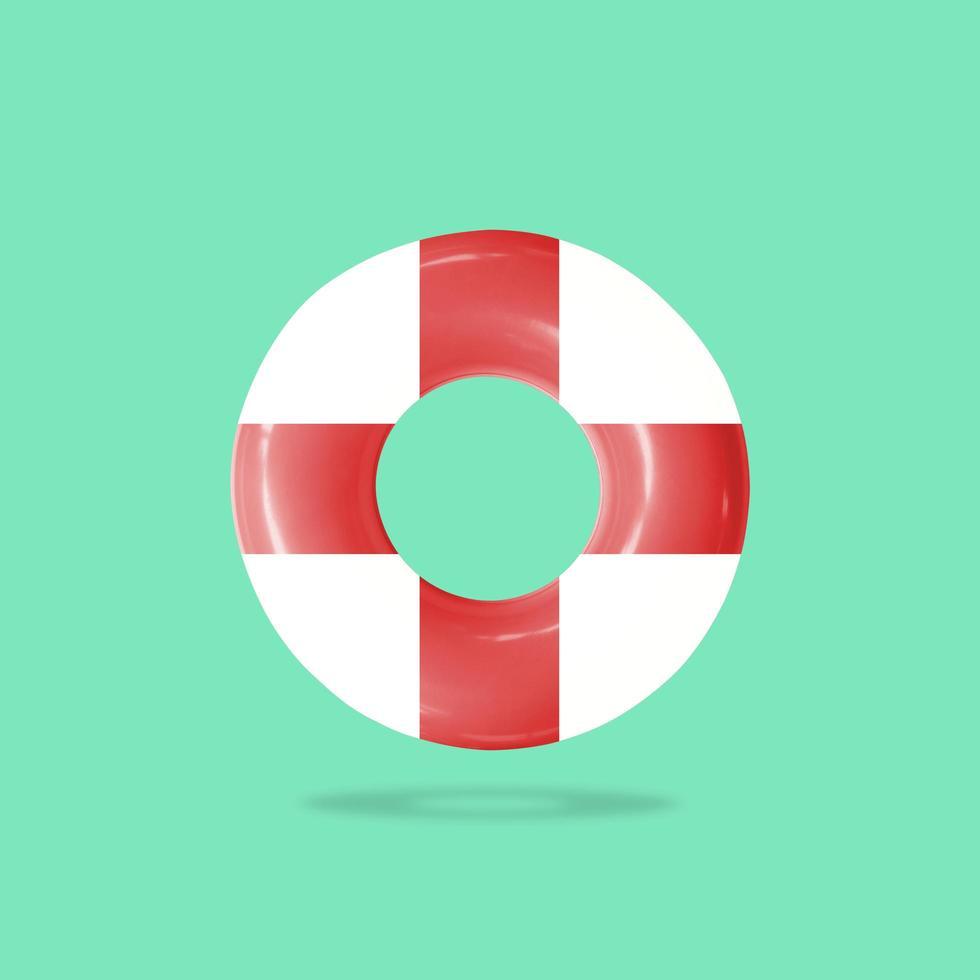 bóia salva-vidas para ajudar pessoas na água foto