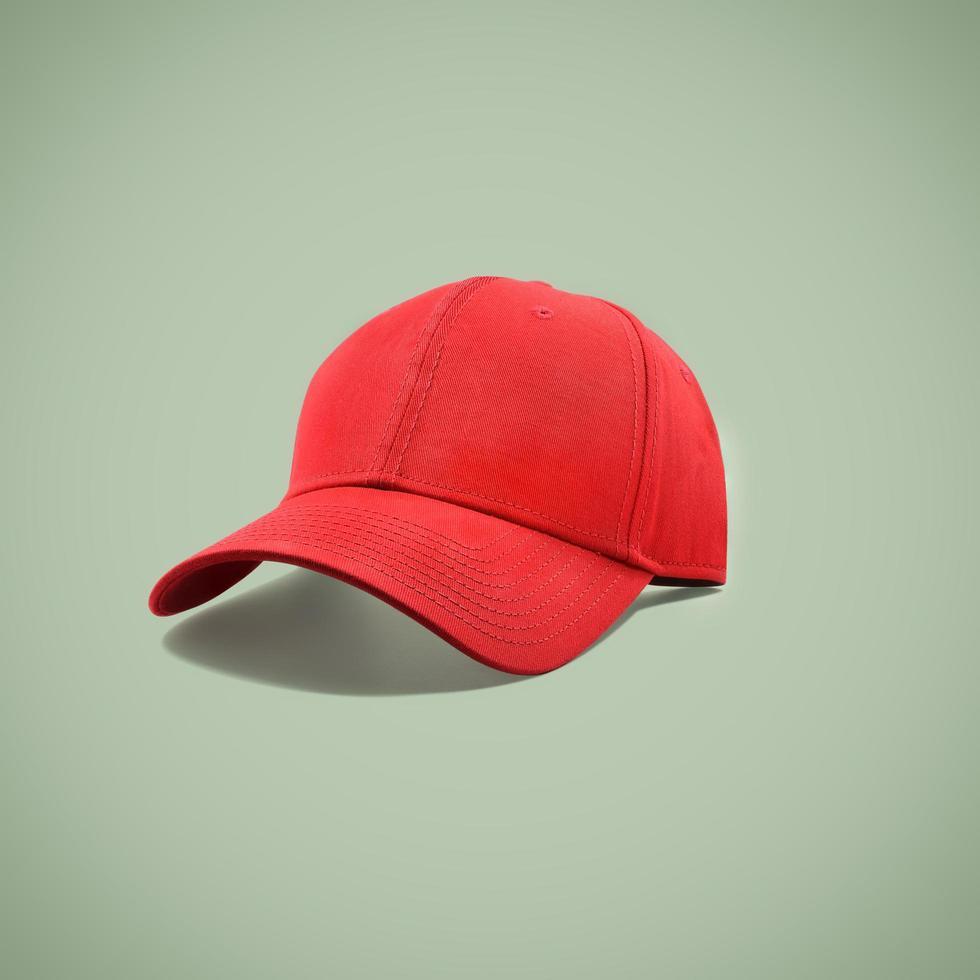 casquette de sport rouge photo
