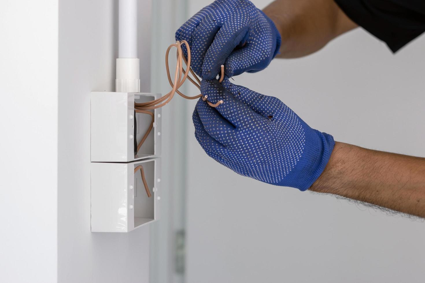 cables de fijación de electricista foto