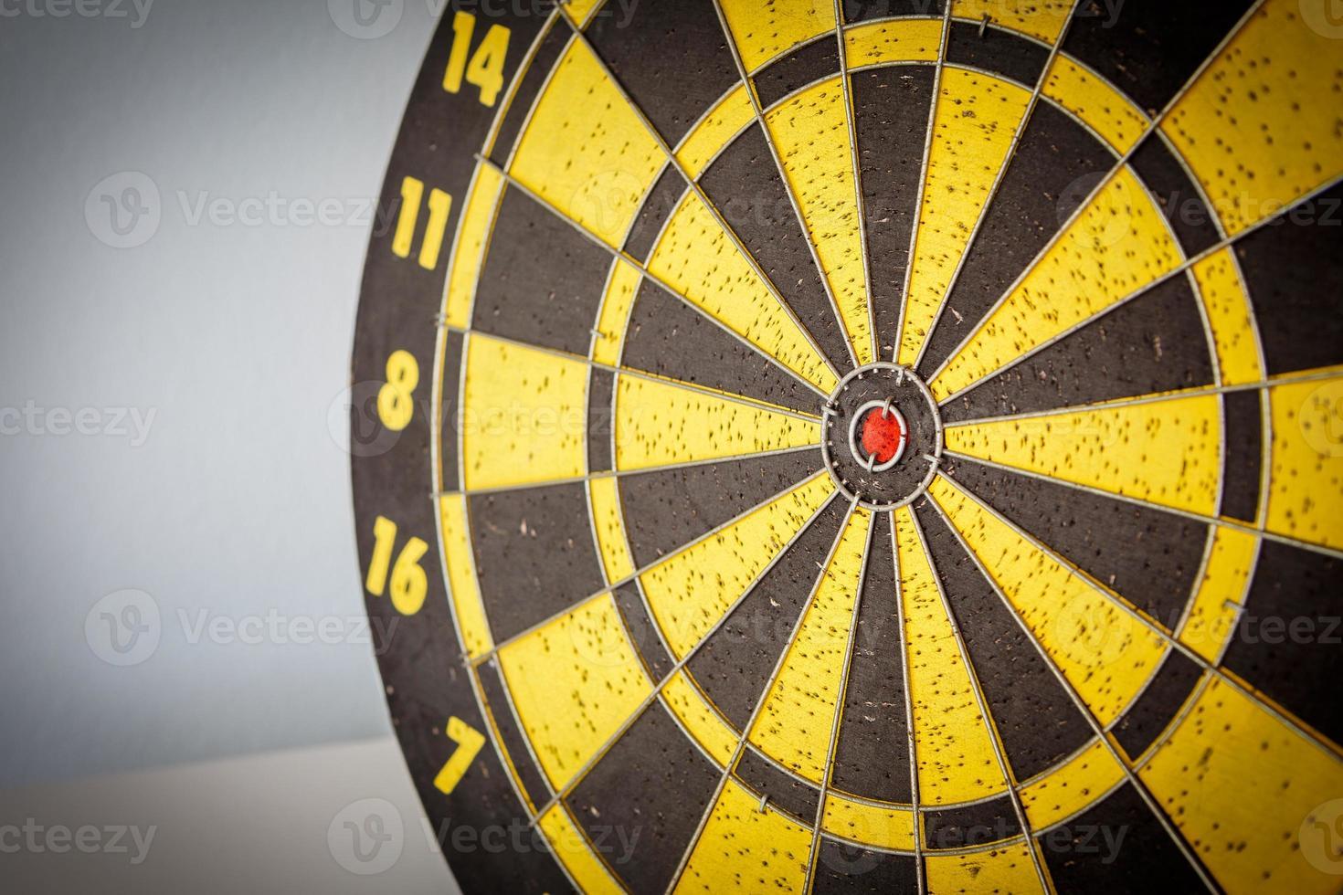 dardos flechas en el objetivo foto