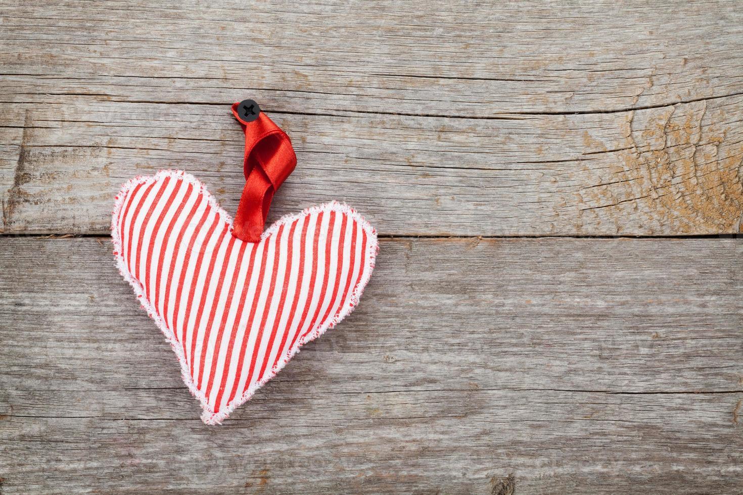 juguete rojo del corazón del día de san valentín foto
