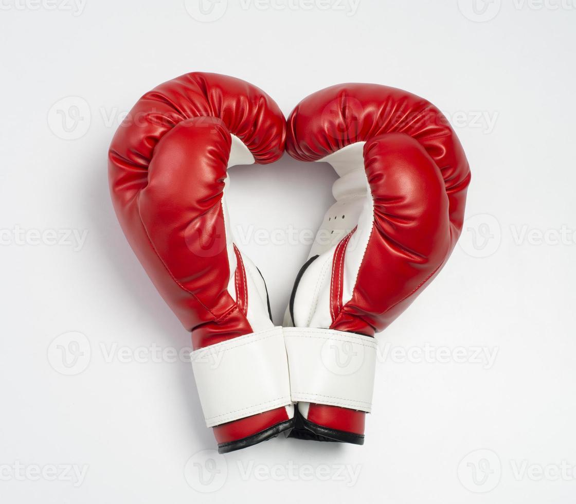 guantes de boxeo en sape corazón foto