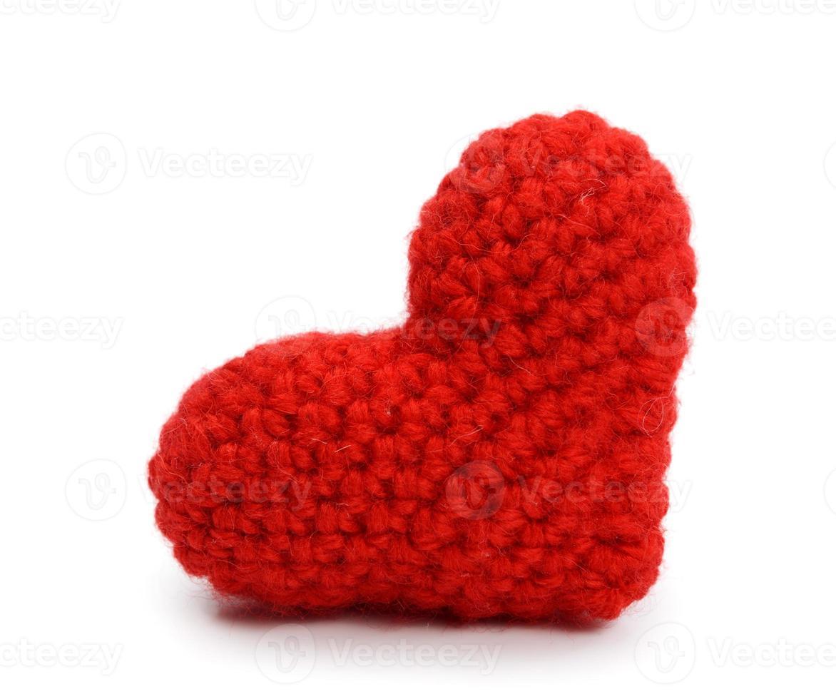 corazón rojo sobre fondo blanco foto