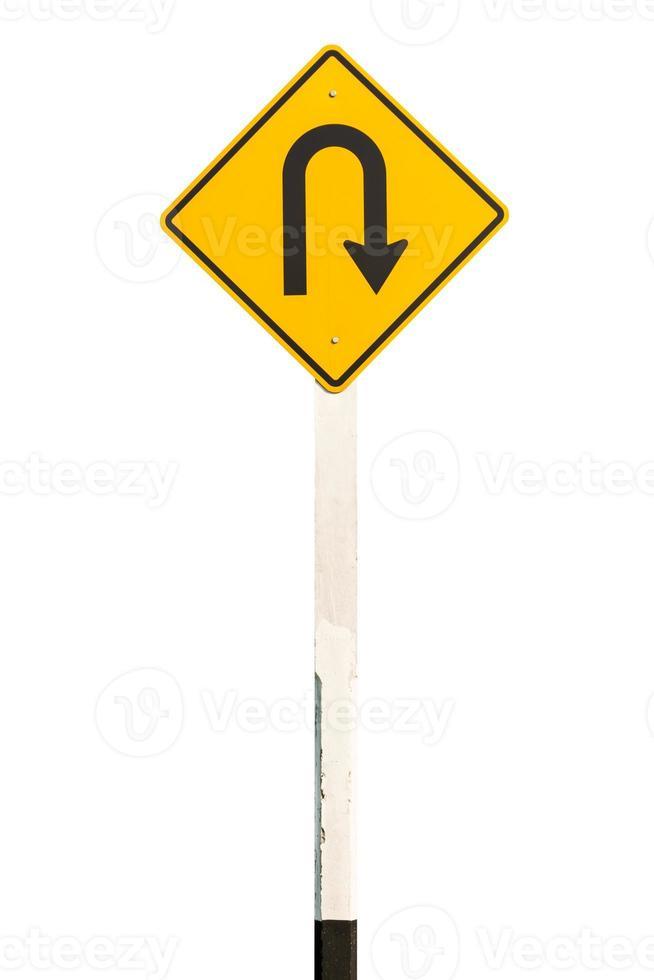 Señal de carretera de giro en U aislado sobre fondo blanco. foto