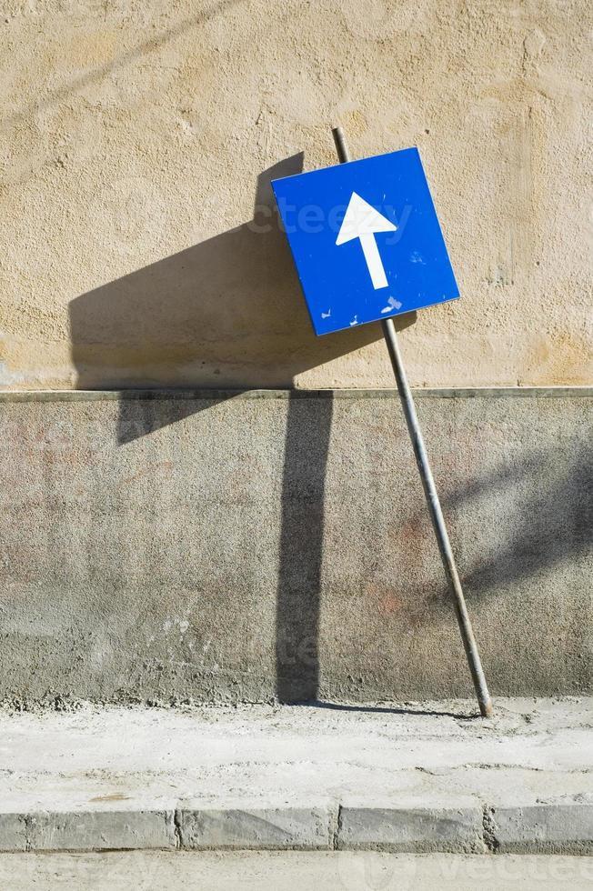 letrero de la calle azul, rumania. foto