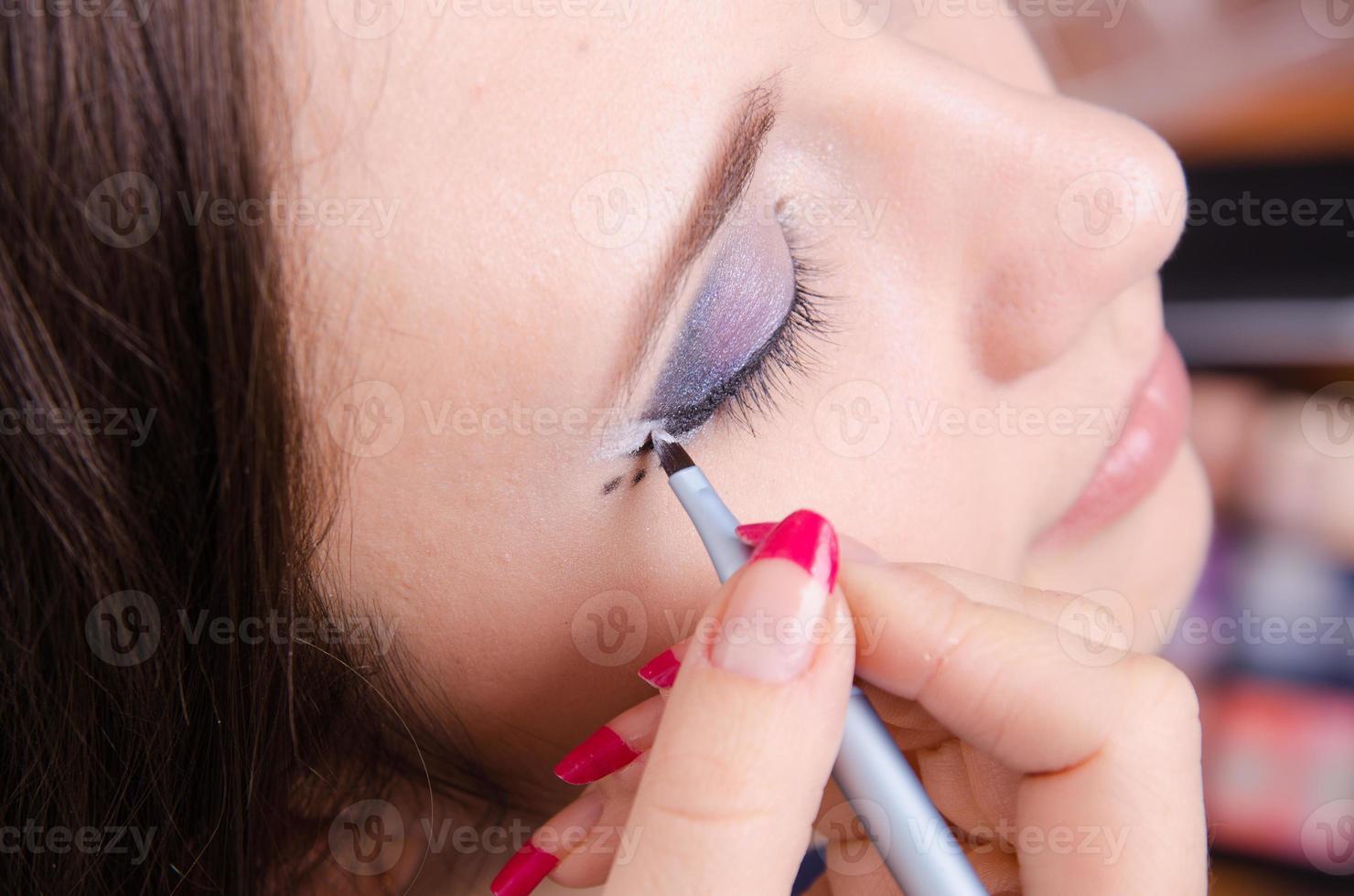maquillaje. dibujar flechas foto